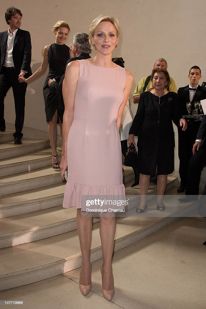 Christian dior haute couture fall winter 2011 2012 runway for Haute couture pronunciation