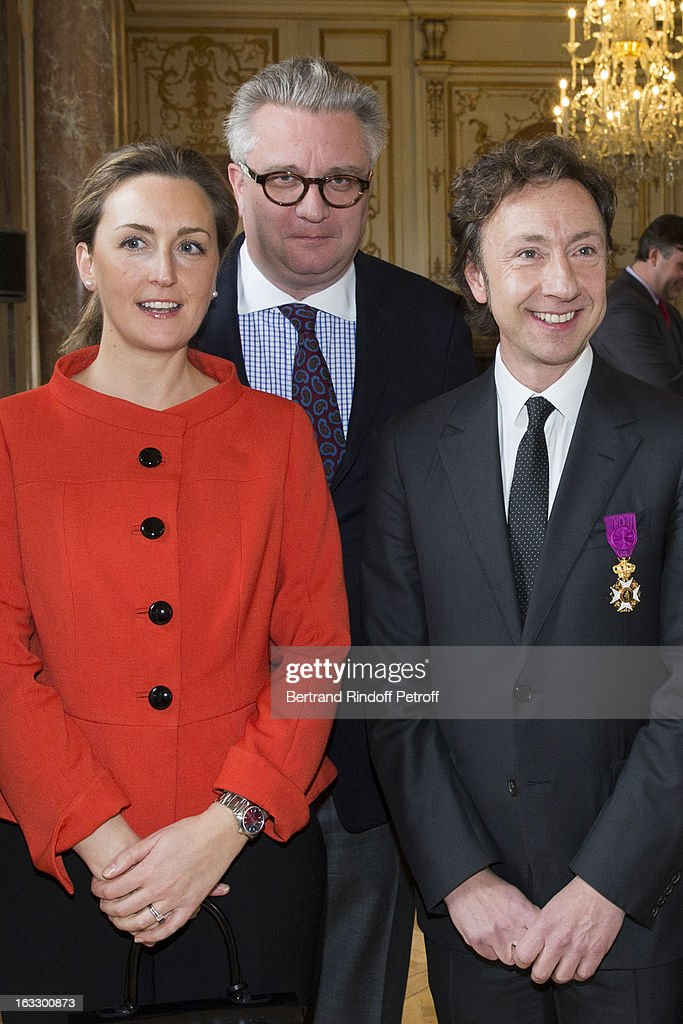 <a gi-track='captionPersonalityLinkClicked' href=/galleries/search?phrase=Princess+Claire+of+Belgium&family=editorial&specificpeople=215265 ng-click='$event.stopPropagation()'>Princess Claire of Belgium</a>, <a gi-track='captionPersonalityLinkClicked' href=/galleries/search?phrase=Prince+Laurent+of+Belgium&family=editorial&specificpeople=786930 ng-click='$event.stopPropagation()'>Prince Laurent of Belgium</a> and French journalist and author <a gi-track='captionPersonalityLinkClicked' href=/galleries/search?phrase=Stephane+Bern&family=editorial&specificpeople=2143398 ng-click='$event.stopPropagation()'>Stephane Bern</a> pose after Bern was appointed officer in the King Leopold order during a ceremony at Palais d'Egmont on March 7, 2013 in Brussels, Belgium.