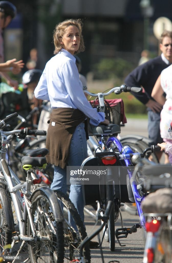 <a gi-track='captionPersonalityLinkClicked' href=/galleries/search?phrase=Princess+Claire+of+Belgium&family=editorial&specificpeople=215265 ng-click='$event.stopPropagation()'>Princess Claire of Belgium</a> with bike on September 23, 2007 in Brussels,Belgium.