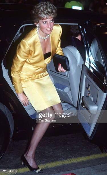 Princess Diana Arriving By Official Car