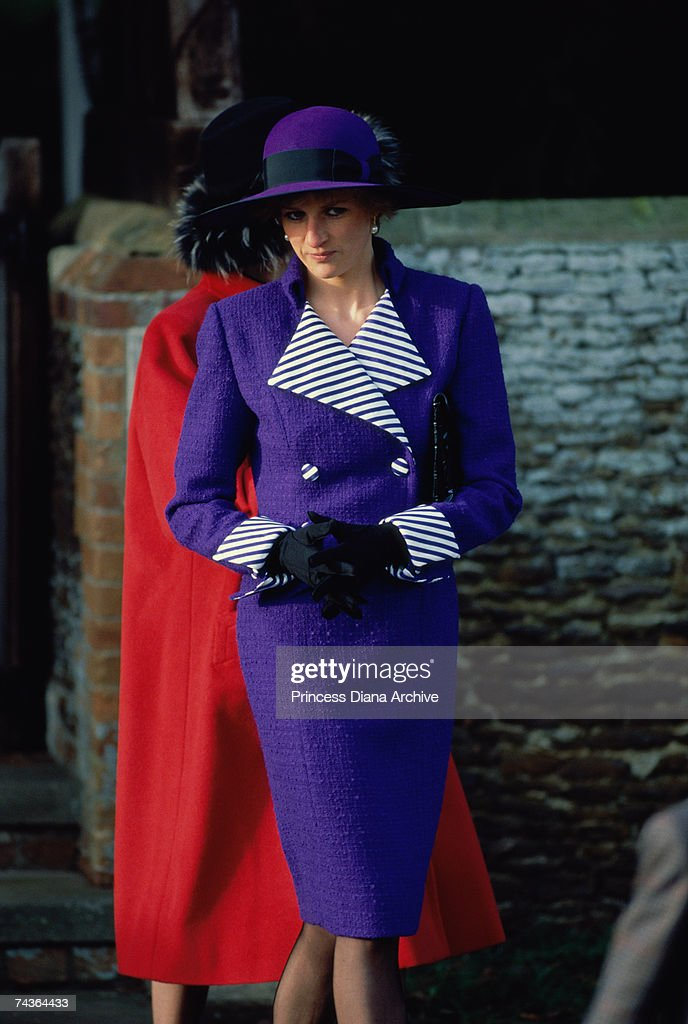 <a gi-track='captionPersonalityLinkClicked' href=/galleries/search?phrase=Princess+Diana&family=editorial&specificpeople=167066 ng-click='$event.stopPropagation()'>Princess Diana</a> (1961 - 1997) at a Christmas Day service at Sandringham Church, 25th December 1989.