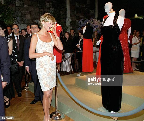 Princess Diana At A Gala Party To Launch The Christie's Dresses Auction To Raise Money For Her Charities She Is Wearing A Cocktail Dress Designed By...