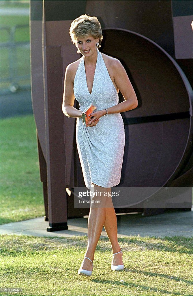 Princess Diana At Serpentine Gallery In Hyde Park, London Walking In Front Of Sculpture Called 'black Russian' By Anthony Caro