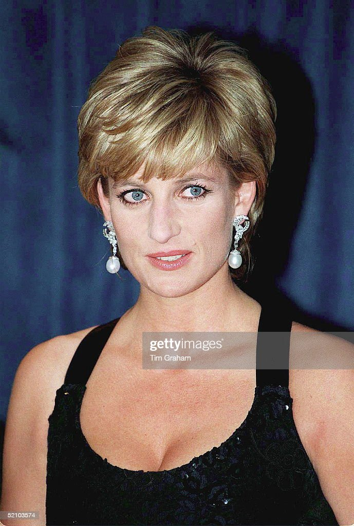 Princess Diana In New York To Receive Her Award As Humanitarian Of The Year From Henry Kissinger At A United Cerebral Palsy Dinner.