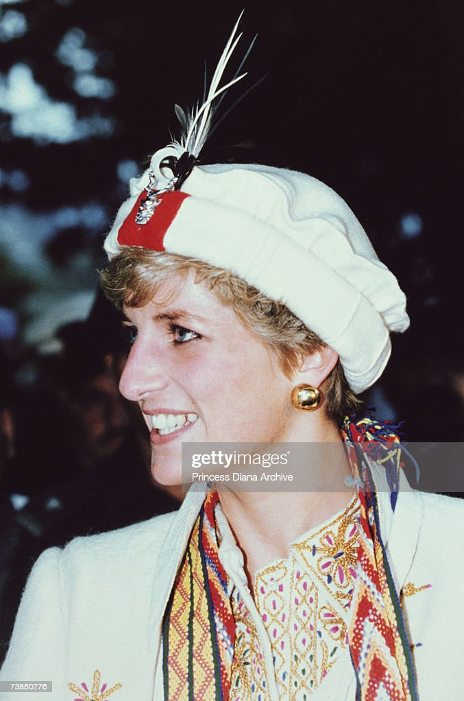 <a gi-track='captionPersonalityLinkClicked' href=/galleries/search?phrase=Princess+Diana&family=editorial&specificpeople=167066 ng-click='$event.stopPropagation()'>Princess Diana</a> (1961 - 1997) on a visit to the Chitral Scouts, near Peshawar, Pakistan, September 1991.