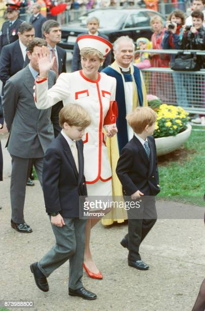 Princess Diana Princess of Wales with her sons William and Harry on a walkabout after church service at St James Cathedral in Toronto Canada Prince...