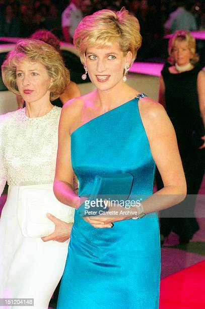 Princess Diana the Princess of Wales arrives at the Victor Chang Cardiac Research Institute Dinner at the Sydney Entertainment Centre on October 31...