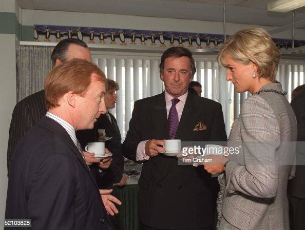 Princess Diana Visiting Paediatric Intensive Care Unit At St Mary's Hospital On Behalf Of The Charity Cosmic Has A Cup Of Tea With Television And...