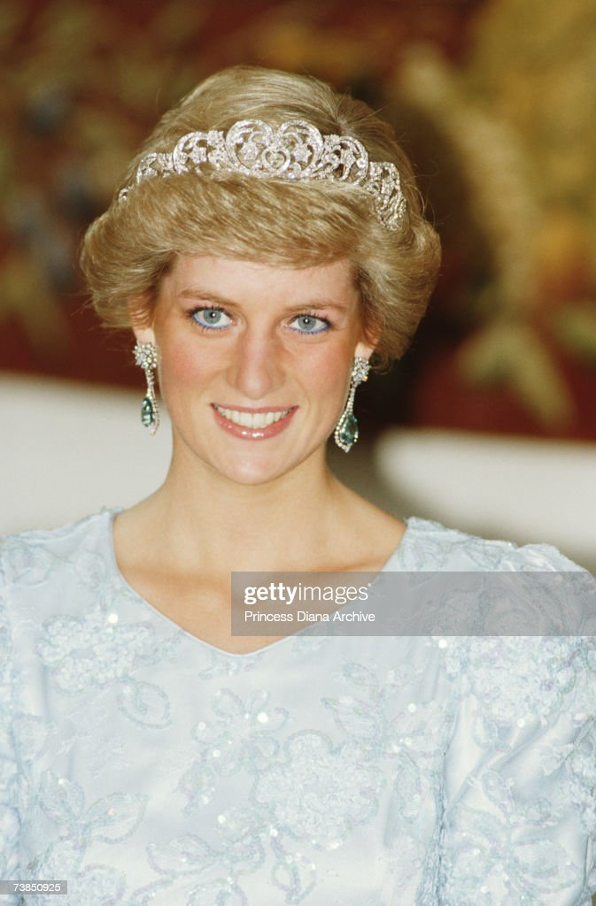 <a gi-track='captionPersonalityLinkClicked' href=/galleries/search?phrase=Princess+Diana&family=editorial&specificpeople=167066 ng-click='$event.stopPropagation()'>Princess Diana</a> (1961 - 1997) wearing a Catherine Walker gown and the Spencer tiara at a banquet in Munich, November 1987.