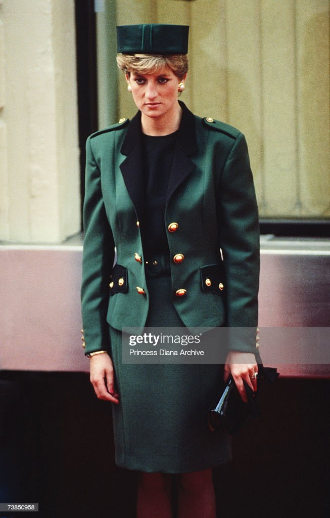 <a gi-track='captionPersonalityLinkClicked' href=/galleries/search?phrase=Princess+Diana&family=editorial&specificpeople=167066 ng-click='$event.stopPropagation()'>Princess Diana</a> (1961 - 1997) wearing a Moschino outfit at Victoria station, London before leaving on a state visit to Italy, October 1990.
