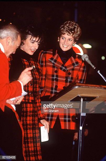 Princess Diana With Rosa Monckton Turning On The Bond Street Christmas Lights In London Both Diana And Her Friend Are Wearing Red Tartan Outfits The...