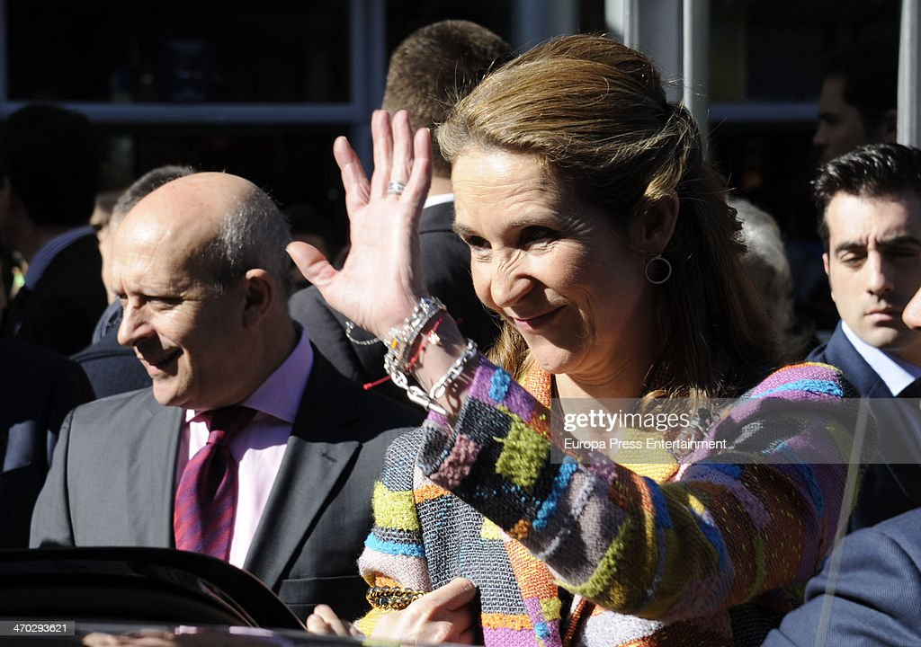 Princess Elena of Spain Attends The 'International Fair of Students' 2014 Opening