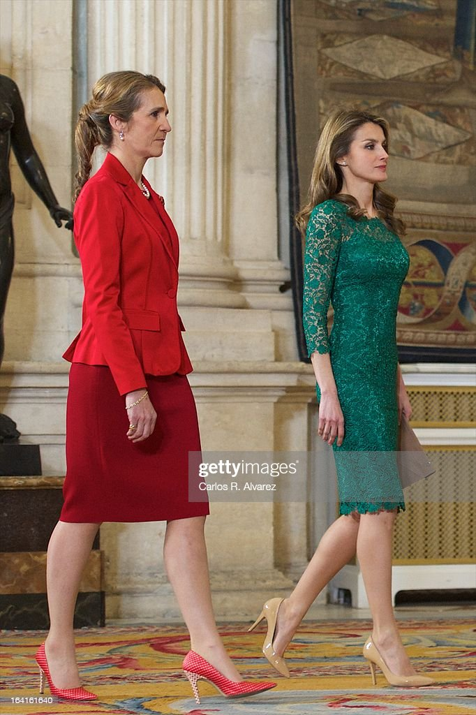 <a gi-track='captionPersonalityLinkClicked' href=/galleries/search?phrase=Princess+Elena+of+Spain&family=editorial&specificpeople=160235 ng-click='$event.stopPropagation()'>Princess Elena of Spain</a> (L) and Princess <a gi-track='captionPersonalityLinkClicked' href=/galleries/search?phrase=Letizia+of+Spain&family=editorial&specificpeople=158373 ng-click='$event.stopPropagation()'>Letizia of Spain</a> (R) receive International Olympic Committee Evaluation Commission Team for a dinner at the Royal Palace on March 20, 2013 in Madrid, Spain.