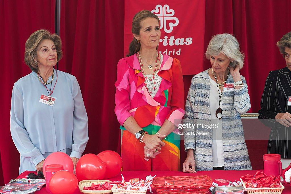 <a gi-track='captionPersonalityLinkClicked' href=/galleries/search?phrase=Princess+Elena+of+Spain&family=editorial&specificpeople=160235 ng-click='$event.stopPropagation()'>Princess Elena of Spain</a> (C) attends 'Dia de la Caridad' on May 26, 2016 in Madrid, Spain.
