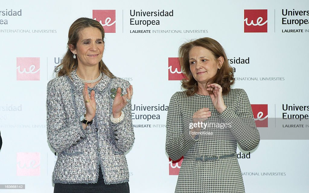 <a gi-track='captionPersonalityLinkClicked' href=/galleries/search?phrase=Princess+Elena+of+Spain&family=editorial&specificpeople=160235 ng-click='$event.stopPropagation()'>Princess Elena of Spain</a> (L) delivers the 'V Premios Jovenes Emprendedores Sociales' of the Universidad Europea de Madrid at The Hub Madrid on March 14, 2013 in Madrid, Spain.
