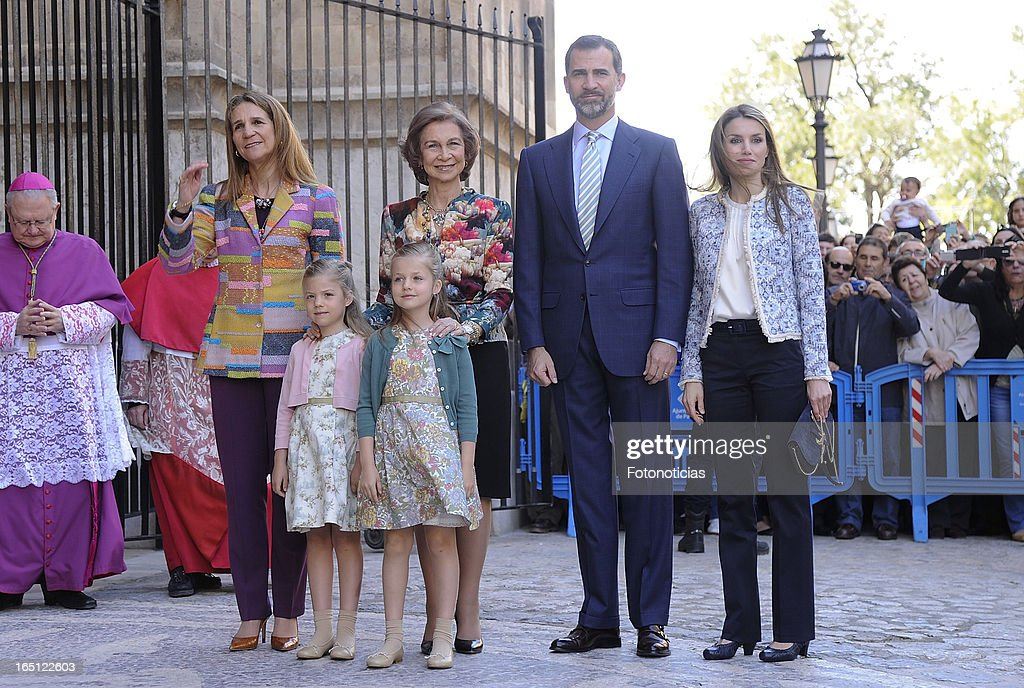 <a gi-track='captionPersonalityLinkClicked' href=/galleries/search?phrase=Princess+Elena+of+Spain&family=editorial&specificpeople=160235 ng-click='$event.stopPropagation()'>Princess Elena of Spain</a>, <a gi-track='captionPersonalityLinkClicked' href=/galleries/search?phrase=Queen+Sofia+of+Spain&family=editorial&specificpeople=160333 ng-click='$event.stopPropagation()'>Queen Sofia of Spain</a>, Prince Felipe of Spain, Princess <a gi-track='captionPersonalityLinkClicked' href=/galleries/search?phrase=Letizia+of+Spain&family=editorial&specificpeople=158373 ng-click='$event.stopPropagation()'>Letizia of Spain</a> and her daughters Princess Sofia (L) and Princess <a gi-track='captionPersonalityLinkClicked' href=/galleries/search?phrase=Leonor+-+Princess+of+Asturias&family=editorial&specificpeople=6328965 ng-click='$event.stopPropagation()'>Leonor</a> attend Easter Mass at The Cathedral of Palma de Mallorca on March 31, 2013 in Palma de Mallorca, Spain.