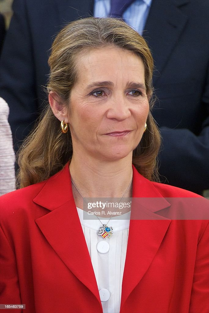 <a gi-track='captionPersonalityLinkClicked' href=/galleries/search?phrase=Princess+Elena+of+Spain&family=editorial&specificpeople=160235 ng-click='$event.stopPropagation()'>Princess Elena of Spain</a> receives 'Un Juguete, Una Ilusion' Foundation members at the Zarzuela Palace on April 4, 2013 in Madrid, Spain.