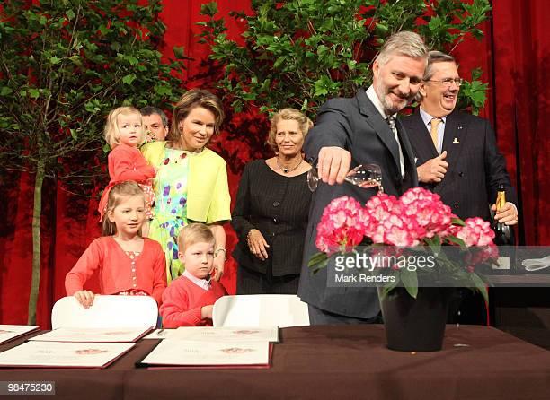 Princess Eleonore of Belgium Princess Mathilde of Belgium Princess Elisabeth of Belgium Prince Emmanuel of Belgium Prince Gabriel of Belgium and...
