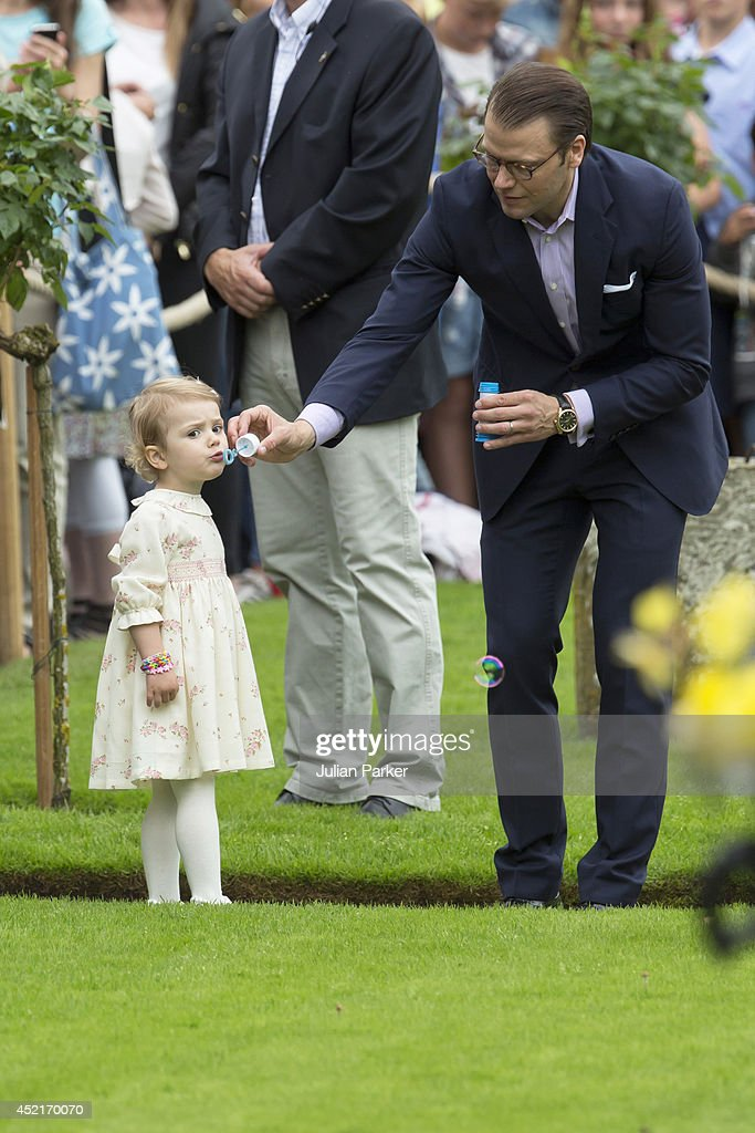 <a gi-track='captionPersonalityLinkClicked' href=/galleries/search?phrase=Princess+Estelle&family=editorial&specificpeople=8948207 ng-click='$event.stopPropagation()'>Princess Estelle</a> of Sweden and Prince Daniel of Sweden attend the 37th Birthday celebrations of Crown Princess Victoria of Sweden,at Solliden, Borgholm on July 14, 2014 in Oland, Sweden.