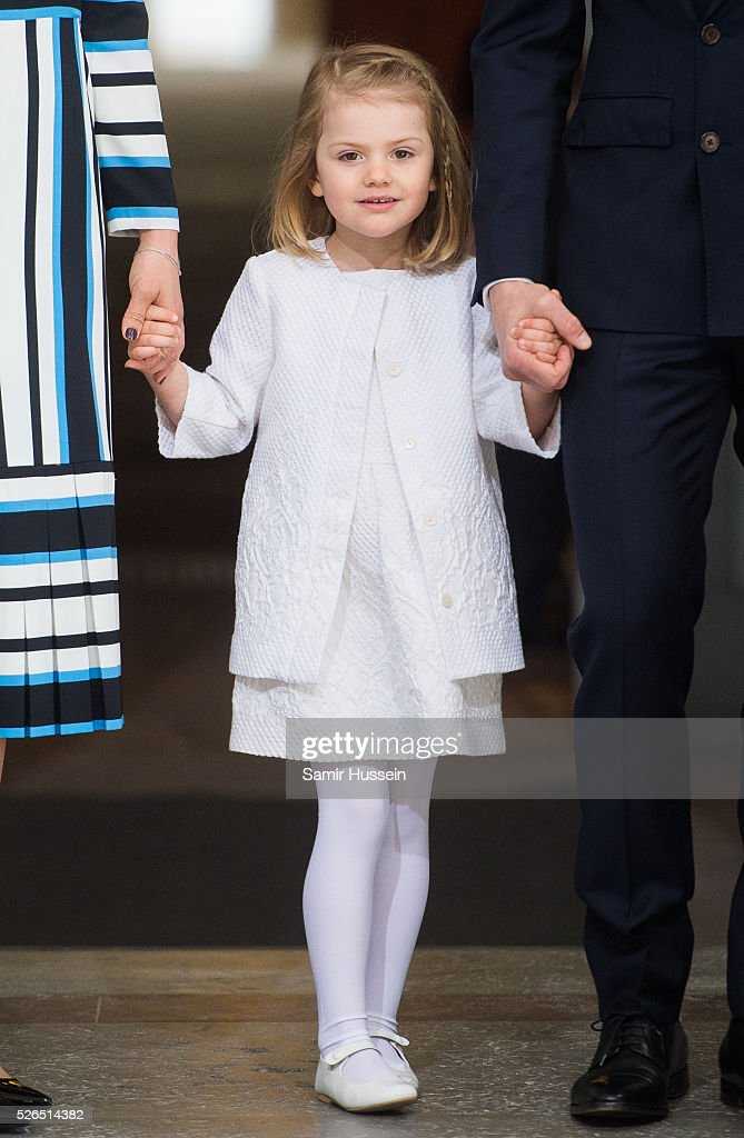 <a gi-track='captionPersonalityLinkClicked' href=/galleries/search?phrase=Princess+Estelle&family=editorial&specificpeople=8948207 ng-click='$event.stopPropagation()'>Princess Estelle</a> of Sweden arrives at the Royal Palace to attend Te Deum Thanksgiving Service to celebrate the 70th birthday of King Carl Gustaf of Sweden on April 30, 2016 in Stockholm, Sweden.