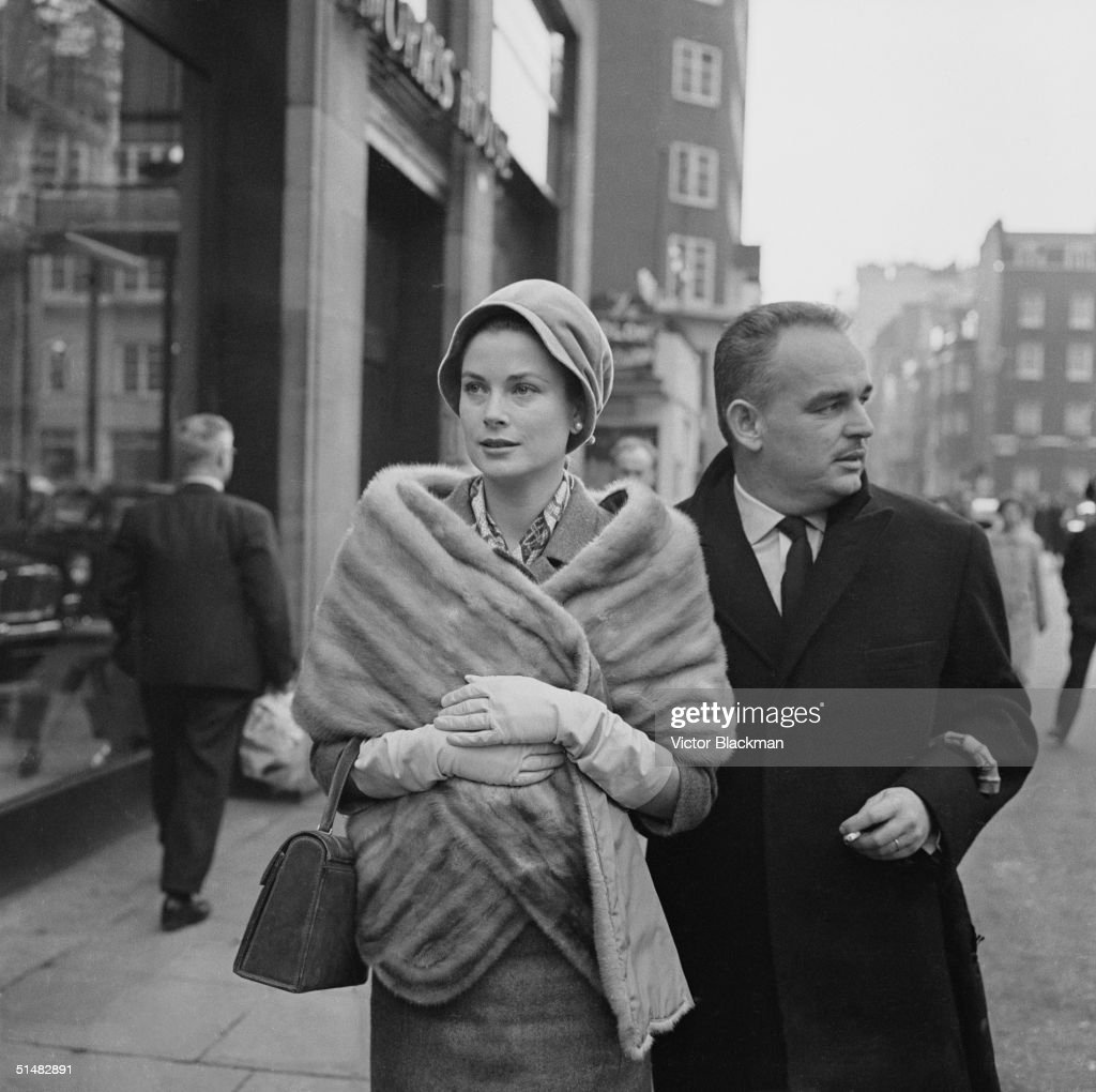 Princess Grace (formerly <a gi-track='captionPersonalityLinkClicked' href=/galleries/search?phrase=Grace+Kelly+-+Actress&family=editorial&specificpeople=70044 ng-click='$event.stopPropagation()'>Grace Kelly</a>) and Prince Rainier of Monaco shopping in London's West End, 4th December 1959.