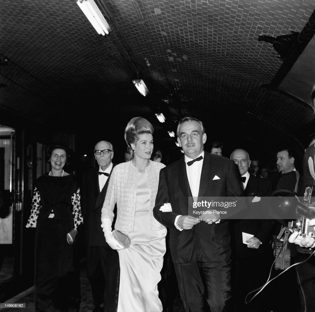 Princess Grace and Prince Rainier of Monaco take the subway as other celebs to go to 'Rex' movie theater for the premiere of the movie 'Cleopatra'...
