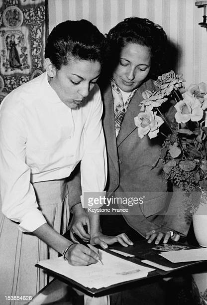 Princess Lalla Malika and Princess Aicha of Morocco during a visit in Germany on 12 September 1956 in Frankfurt Germany