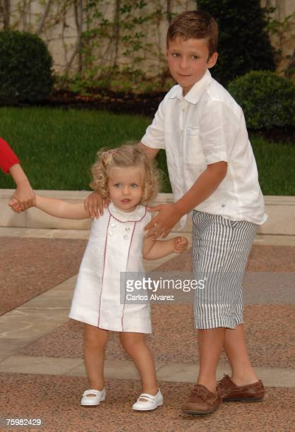 Princess Leonor of Spain and Felipe Juan Froilan during a photocall on August 6 2007 at Marivent Palace in Mallorca Spain