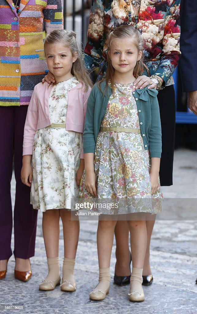 Princess <a gi-track='captionPersonalityLinkClicked' href=/galleries/search?phrase=Leonor+-+Princess+of+Asturias&family=editorial&specificpeople=6328965 ng-click='$event.stopPropagation()'>Leonor</a> of Spain (R) and Princess Sofia of Spain attend the Easter Sunday Church Service, at Palma Cathedral on March 31, 2013 in Mallorca, Spain.