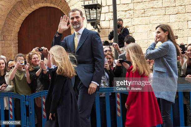 Princess Leonor of Spain King Felipe VI of Spain Princess Sofia of Spain and Queen Letizia of Spain attend the Easter Mass at the Cathedral of Palma...