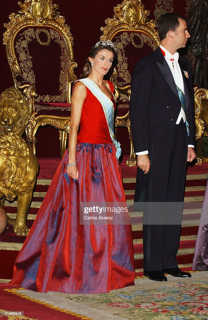 Princess Letizia and Crown Prince Felipe of Spain attend Royal Gala Dinner honouring Letonia's President Vaira Vike-Freiberga at the Royal Palace on October 18, 2004 in Madrid, Spain.