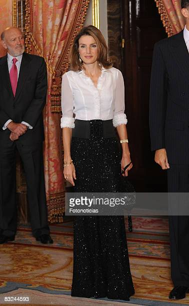 Princess Letizia and Prince Felipe of Spain attend a dinner in honour of Costa Rica´s President Oscar Arias Sanchez at The Royal Palace on September...