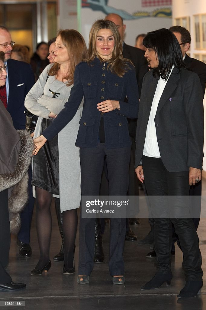 Princess Letizia of Spain (C) attends 'A Que Sabe este Libro' exhibition at Cuartel Conde Duque on December 21, 2012 in Madrid, Spain.