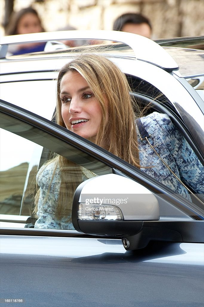 Princess Letizia of Spain attends Easter Mass at the Cathedral of Palma de Mallorca on March 31, 2013 in Palma de Mallorca, Spain.