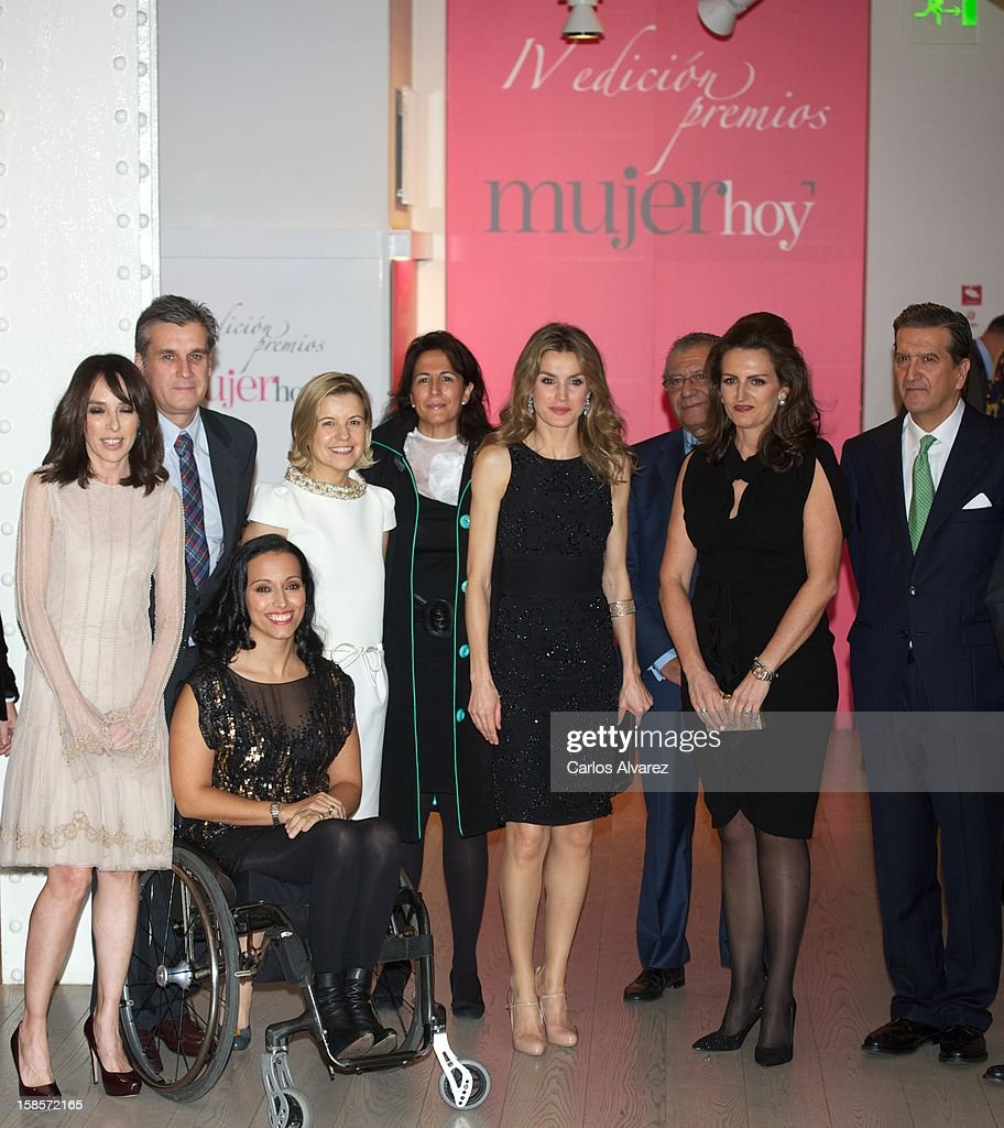 Princess <a gi-track='captionPersonalityLinkClicked' href=/galleries/search?phrase=Letizia+of+Spain&family=editorial&specificpeople=158373 ng-click='$event.stopPropagation()'>Letizia of Spain</a> (C) attends Mujer Hoy awards 2012 at ABC Museum on December 19, 2012 in Madrid, Spain.