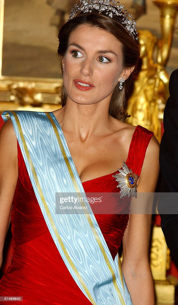 Princess Letizia of Spain attends Royal Gala Dinner honouring Letonia's President Vaira Vike-Freiberga at the Royal Palace on October 18, 2004 in Madrid, Spain.
