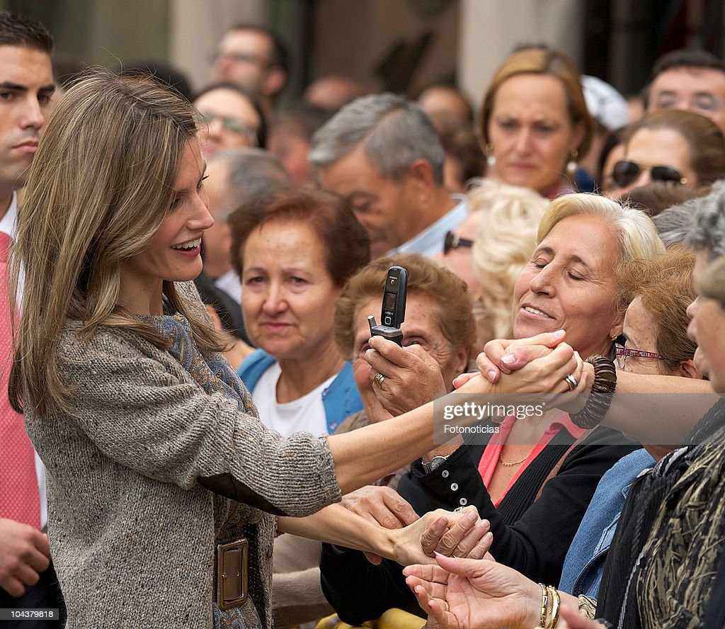 Princess <a gi-track='captionPersonalityLinkClicked' href=/galleries/search?phrase=Letizia+of+Spain&family=editorial&specificpeople=158373 ng-click='$event.stopPropagation()'>Letizia of Spain</a> attends the opening of 'In Principio Erat Verbum:El Reino de Leon y sus Beatos' exhibition on September 23, 2010 in Leon, Spain.