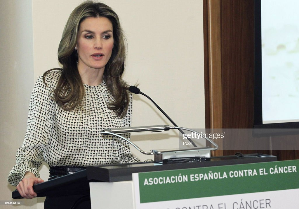Princess Letizia of Spain, honorary president of the Spanish Association Against Cancer, speaks at the second annual forum 'For a comprehensive approach. Catch it early, you can save your life', at Corporate and Social Headquarters Garrigues on February 04, 2013 in Madrid, Spain.