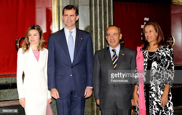 Princess Letizia of Spain Prince Felipe of Spain Mexican President Felipe Calderon and his wife Margarita Zavala attend the opening of the 'I Foro...