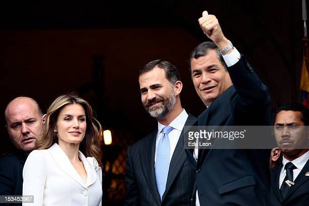 Princess Letizia Ortiz Prince Felipe de Borbon and Ecuadorean President Rafael Correa greet to the public from the Presidential Palace during an...
