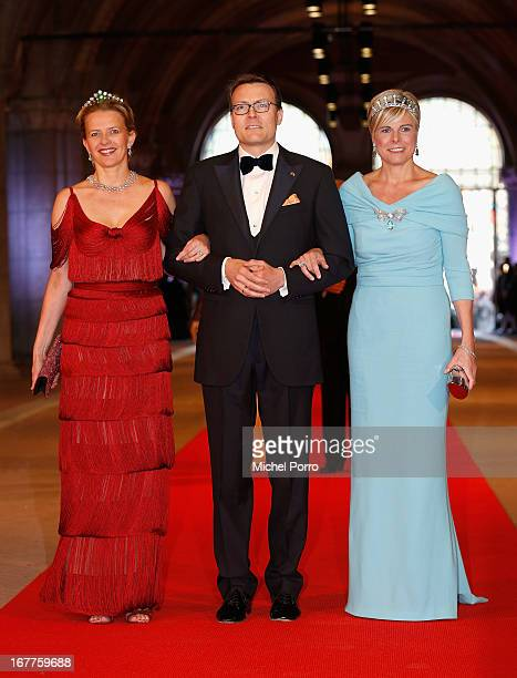 Princess Mabel of the Netherlands Prince Constantijn of the Netherlands and Princess Laurentien of the Netherlands attend a dinner hosted by Queen...