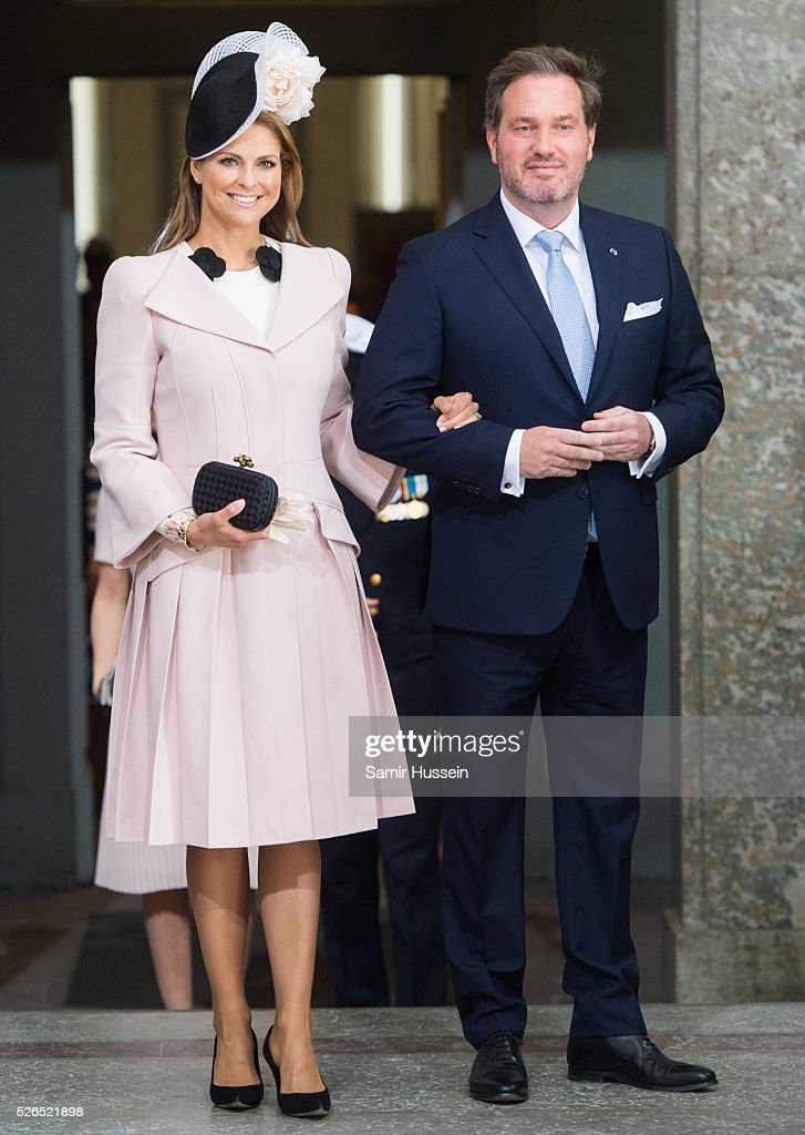 <a gi-track='captionPersonalityLinkClicked' href=/galleries/search?phrase=Princess+Madeleine+of+Sweden&family=editorial&specificpeople=160243 ng-click='$event.stopPropagation()'>Princess Madeleine of Sweden</a> and <a gi-track='captionPersonalityLinkClicked' href=/galleries/search?phrase=Christopher+O%27Neill+-+Husband+of+Princess+Madeleine&family=editorial&specificpeople=7470611 ng-click='$event.stopPropagation()'>Christopher O'Neill</a> arrive at the Royal Palace to attend Te Deum Thanksgiving Service to celebrate the 70th birthday of King Carl Gustaf of Sweden on April 30, 2016 in Stockholm, Sweden.