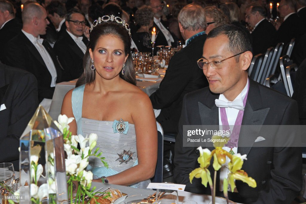 <a gi-track='captionPersonalityLinkClicked' href=/galleries/search?phrase=Princess+Madeleine+of+Sweden&family=editorial&specificpeople=160243 ng-click='$event.stopPropagation()'>Princess Madeleine of Sweden</a> (L) and Nobel Prize in Medicine laureate Professor <a gi-track='captionPersonalityLinkClicked' href=/galleries/search?phrase=Shinya+Yamanaka&family=editorial&specificpeople=4810477 ng-click='$event.stopPropagation()'>Shinya Yamanaka</a> of Japan attend the Nobel Banquet at Town Hall on December 10, 2012 in Stockholm, Sweden.