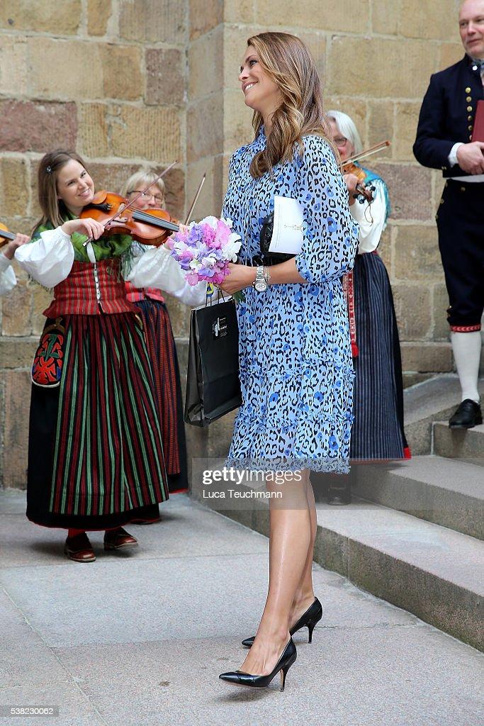 princess-madeleine-of-sweden-attends-jarvsomassan-a-folk-fair-for-on-picture-id538230062