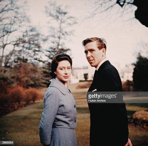 princess-margaret-and-antony-armstrongjones-in-the-grounds-of-royal-picture-id2665554