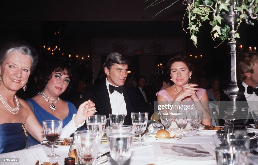 Princess Margaret dines with Actress Elizabeth Taylor in a resteraunt in New York, in 1969.