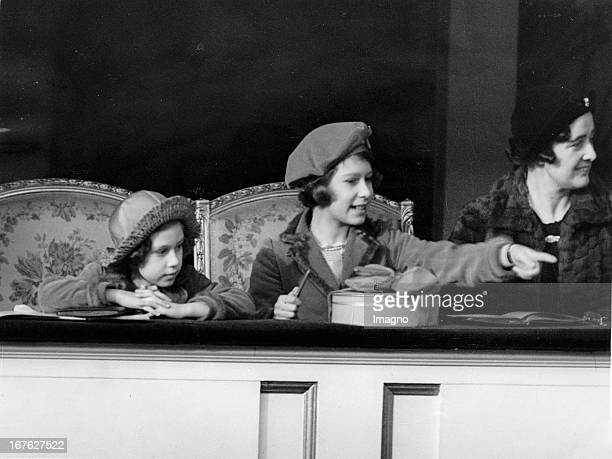 Princess Margaret of England and princess Elisabeth of England visit the National Pony Show Islington March 4th 1938 Die englischen Prinzessinnen...