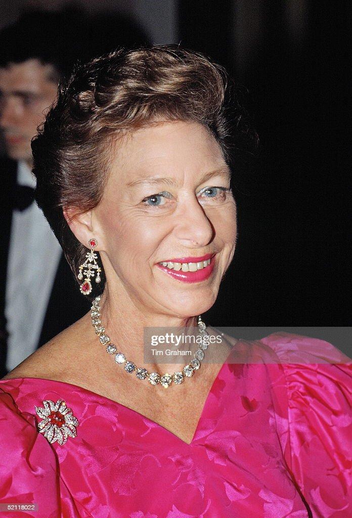 Princess Margaret, Patron Of The Nspcc, At Oscar De La Renta Fashion Show, London.
