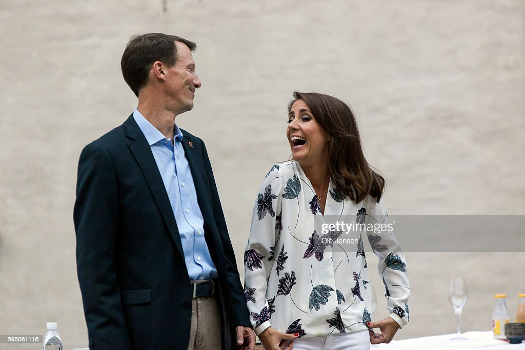 princess-marie-and-husband-prince-joachim-at-the-victory-ceremony-picture-id595061116