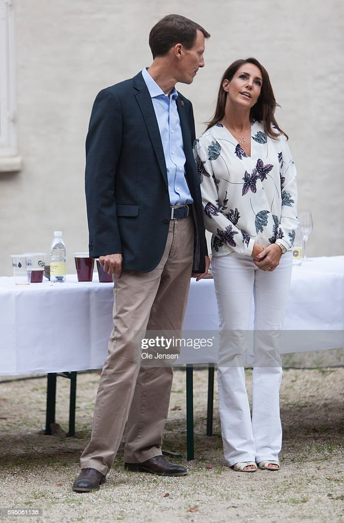 princess-marie-and-husband-prince-joachim-at-the-victory-ceremony-picture-id595061136